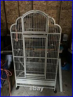 King Size Macaw Open Dome Playtop Parrot Cage